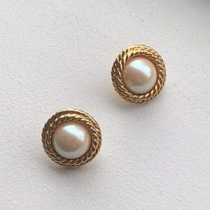 Vintage Gold Pearl Earring